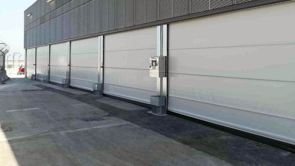 Instalação de múltiplas portas rápidas industriais run