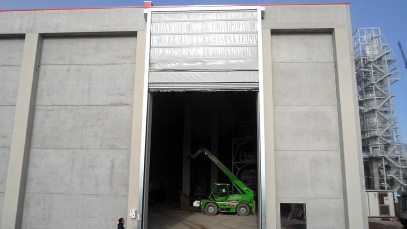 Montagem de porta rápida industrial