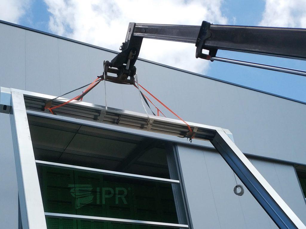 Montagem de porta rápida Belt com cerca de 10 metros de altura